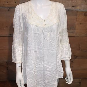 Painted Threads Womans White Blouse SZ.XL